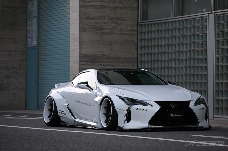Liberty Walk Lexus LC500